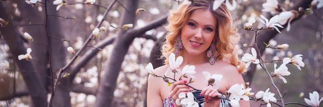 Zapach wiosny. Perfumy z magnolią