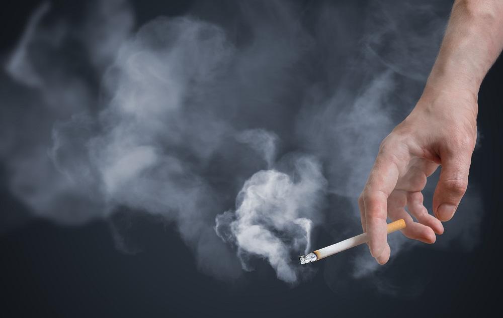 Palisz papierosy? Zobacz, jak niszczą one Twoją urodę!