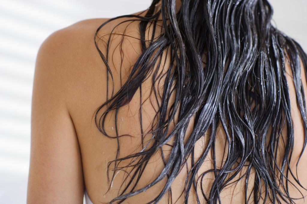 Powakacyjna regeneracja włosów