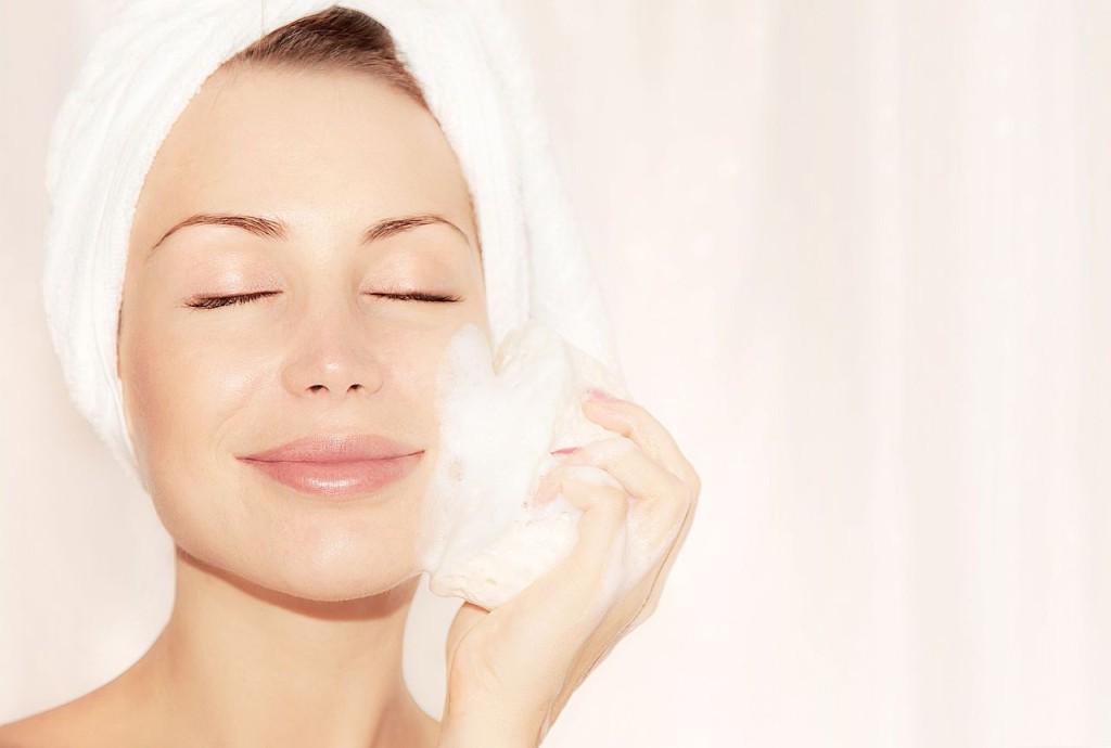 Oczyszczaj i złuszczaj - peeling dla Twojej skóry