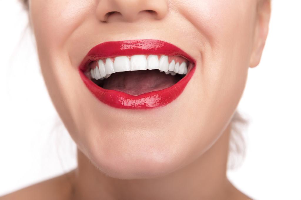 Piękne usta z EOS