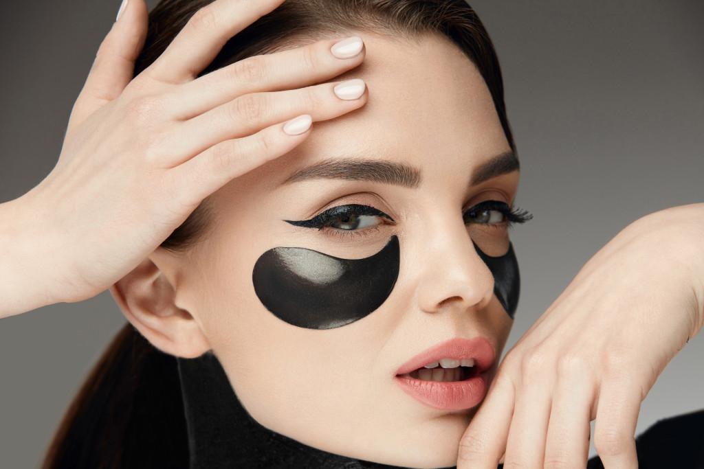 Dermacol 3D Hyaluron Therapy Refreshing Eye Mask - hialuronowa maska pod oczy