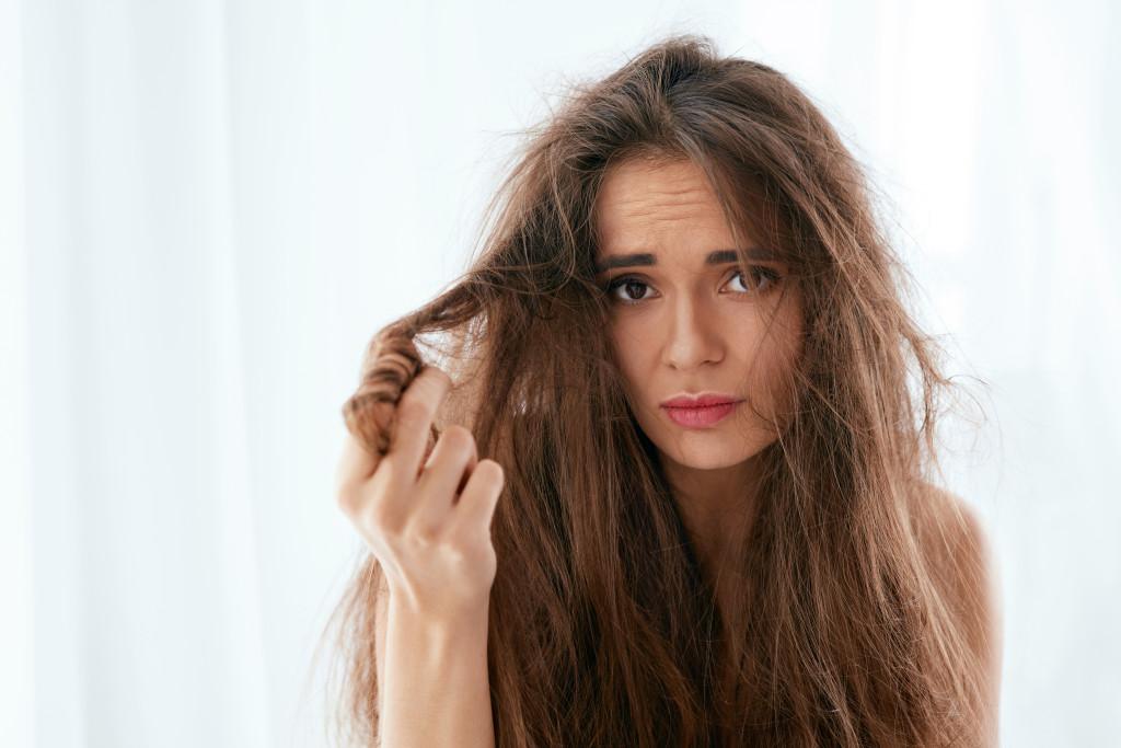 Włosy suche i zniszczone - dobieramy szampon i odżywkę