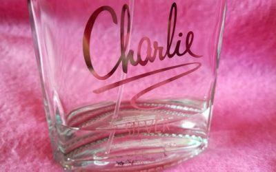 Historie značky Revlon a její parfém Charlie Silver