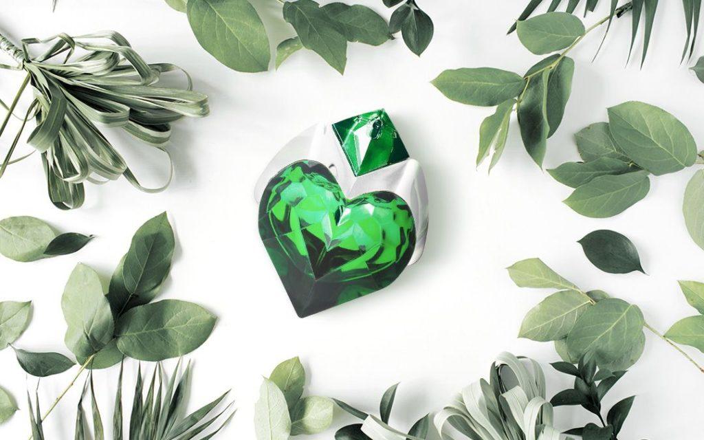 Smaragd mezi parfémy - Thierry Mugler Aura