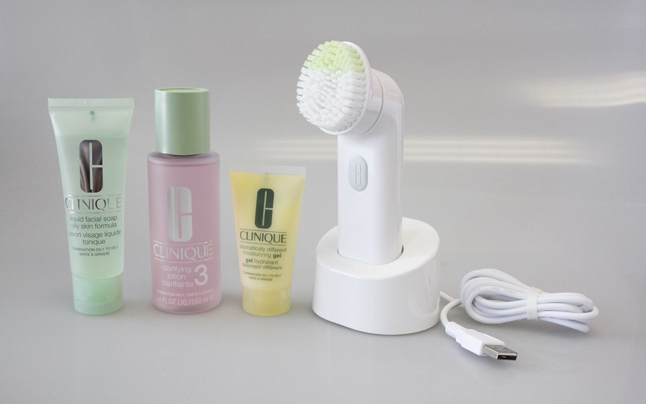 Clinique Sonic System Purifying Cleansing Brush použití
