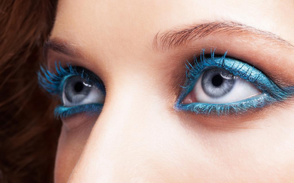 Čím vyšší teploty, tím barevnější make-up