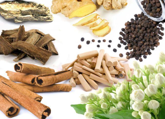vône Ďalekého východu: ambergris, zázvor, costus, čierne korenie, škorica, santalové drevo a jazmín - všetky tóny nájdete vo vôňach v obchode Elnino.sk