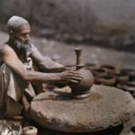 Výroba keramiky, Autor: neznámy (Indus valley potters shaped) ; Zdroj: Imgarcade.com (http://bit.ly/1svScEe)
