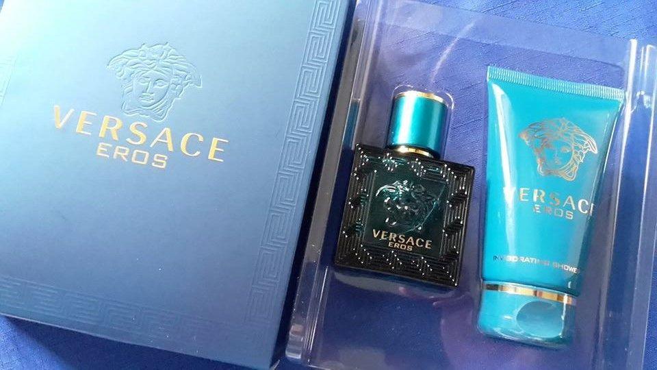 Versace Eros darčekový set s vôňou a sprchovacím gélom
