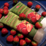 Dermacol sprchovací gél a telové mlieko Aroma Ritual rebarbora a jahody