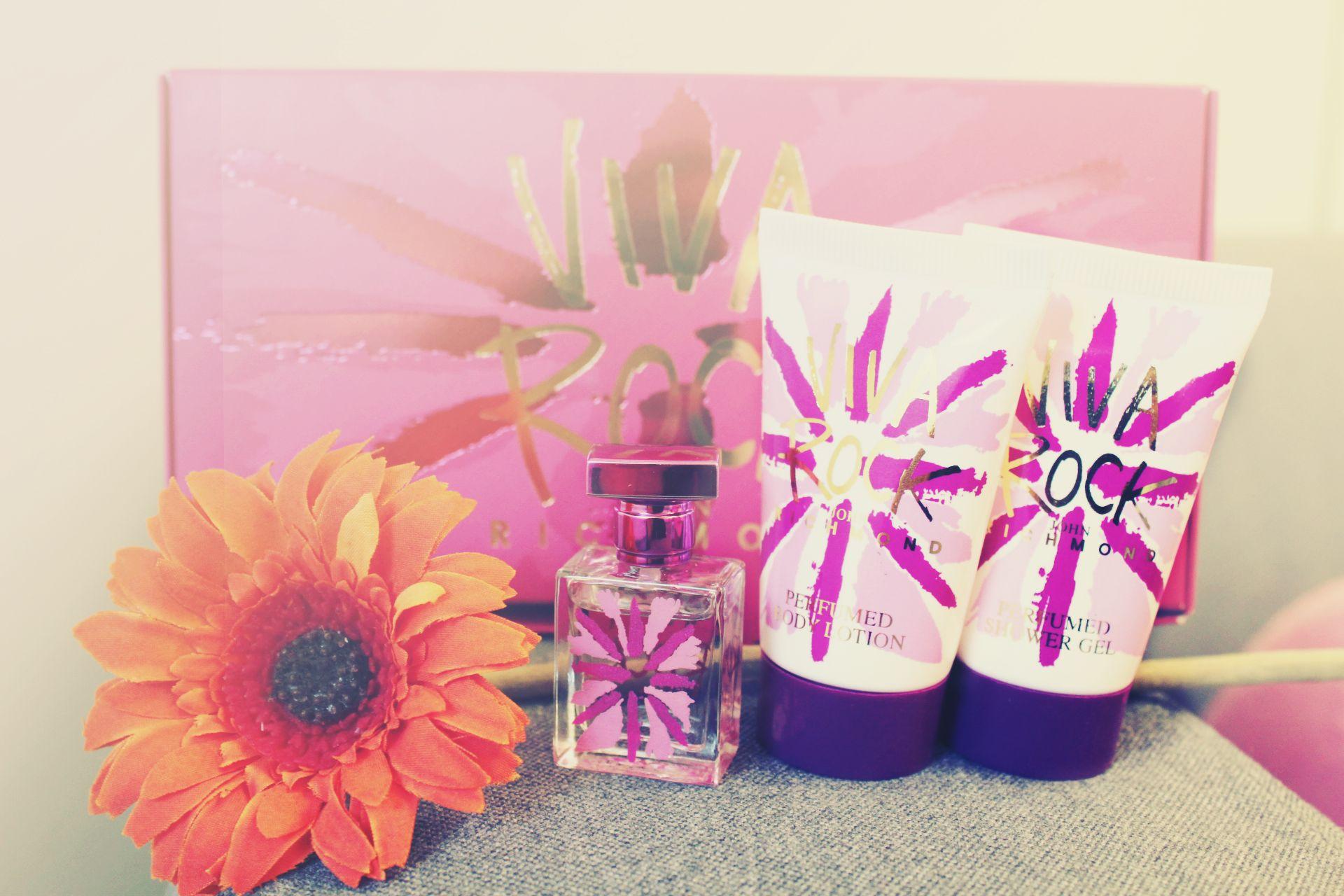 Miniatúry vôní a kozmetických produktov bývajú v krásnych obaloch