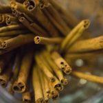 škorica; foto: Steven Depolo (Cinnamon Sticks January 15, 2012 1); Zdroj: http://bit.ly/1tyJPrS