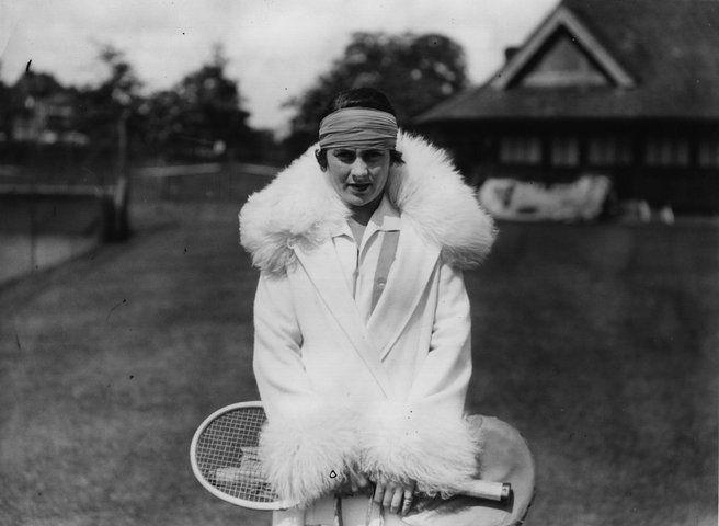 tenisová móda dvadsiatych rokov 20. storočia, zdroj: Vogue (cit. 21.6.2011, http://goo.gl/J3lkve)