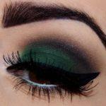 How to apply eyeliner by burlexe.com, zdroj: https://goo.gl/4BJmDq