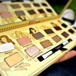 TheBalm Nude Tude Eyeshadow Palette rozhodne patrí medzi kultové produkty
