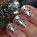 OPI Nail Lacquer HL E12 Wonderous Star, Zdroj: Oflifeandlacquer.com (http://goo.gl/zRV3HF)