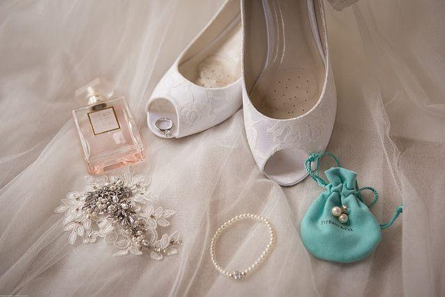 svadba a Vaše Must-have (vôňa Chanel Coco Mademoiselle. Foto: Colm Walsh (http://bit.ly/1IfC3Y8)