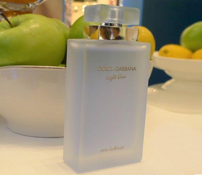 Dolce & Gabbana Light Blue Eau Intense Foto: Tinavilla.com (https://goo.gl/7k8cka)