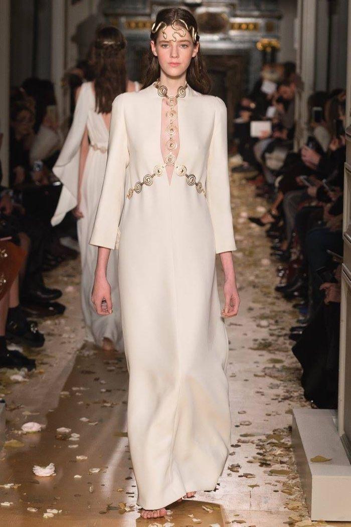 Valentino Spring 2016 Haute Couture Model č. 53, zdroj: fashiongonerogue.com (http://goo.gl/doKFNg)