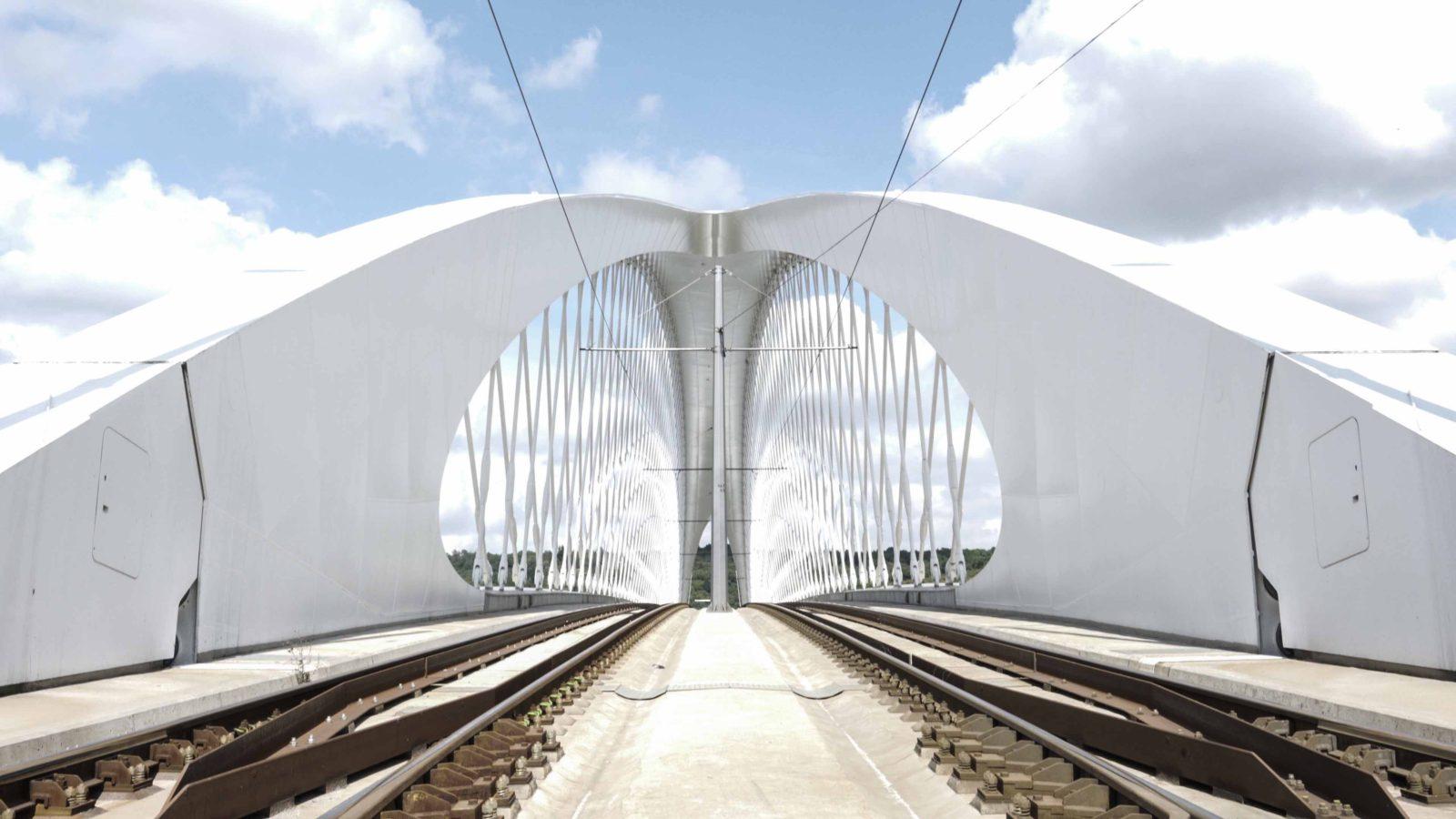 Jak znáte Trojský most v Praze?
