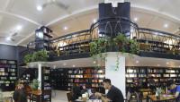 Thư viện cafe Đông Tây