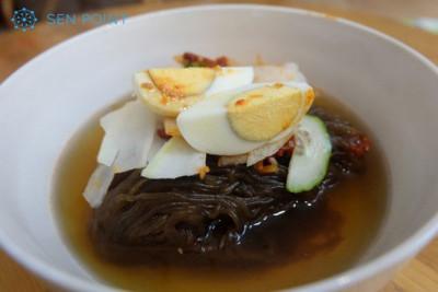 Khám phá những nhà hàng buffet Triều Tiên hiếm hoi và bí ẩn tại Hà Nội