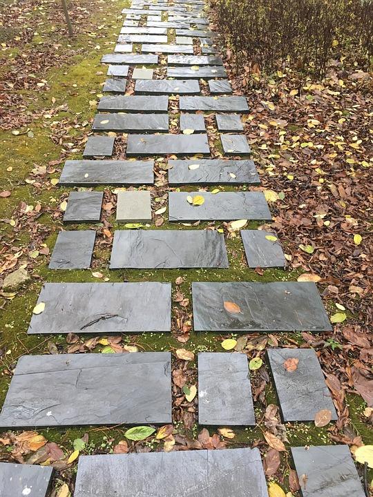 Berlin/stone-path-2353143_960_720.jpg
