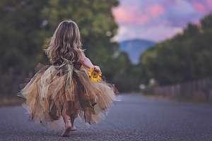 Stockholm/sunflowergirl.jpg