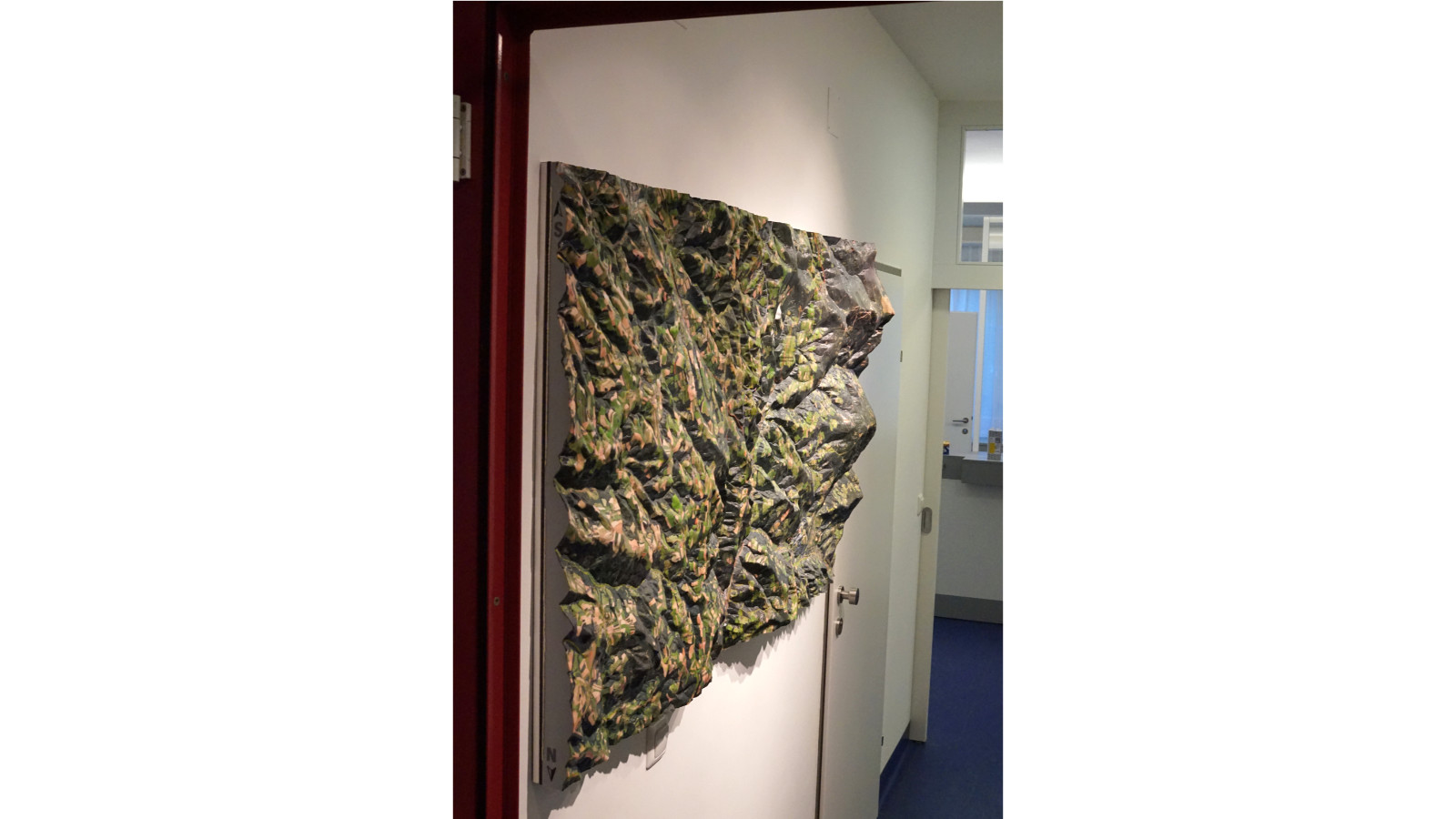 Abmaße der Reliefkarte: 150cm x 90cm x 20cm   Gewicht: 20kg   Schutzlackierung: ja