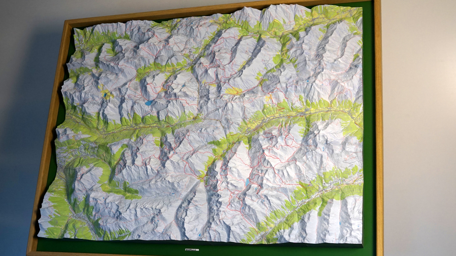 3D Precision Map HD Color Print: 114cm x 85cm x 13cm  - 5kg