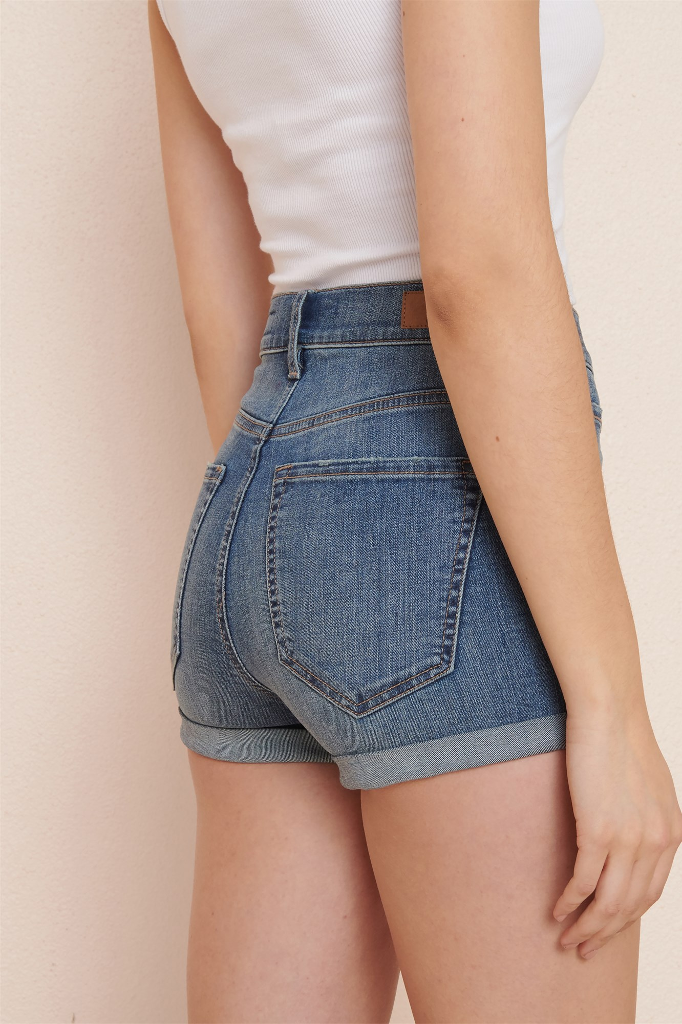 stores that have high waisted shorts