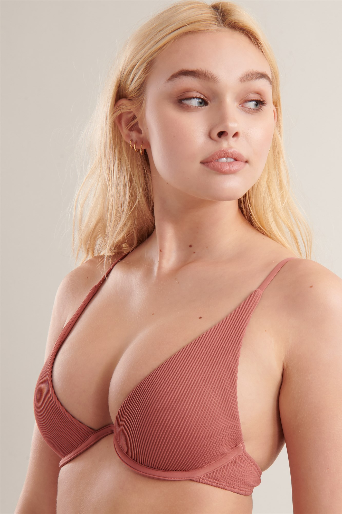 4cefbc2086c Image 1 of Ribbed V-Wire Bikini Top ...