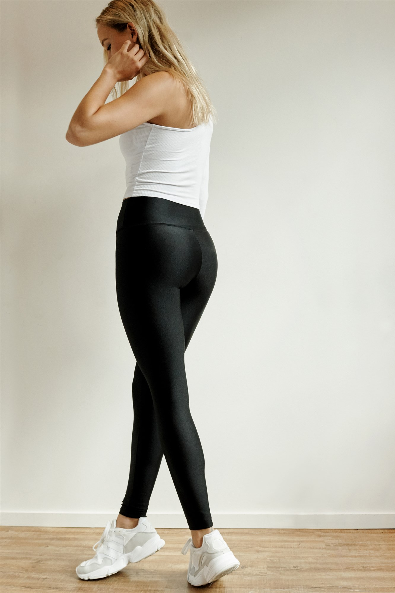 Image 4 of Luxe Shiny High Rise Legging