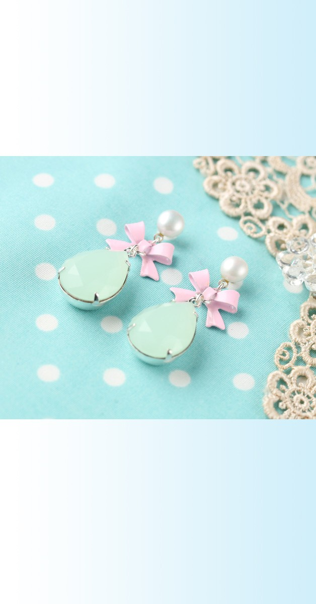 Vintage Jewelry - White/Mint Pearl Bow