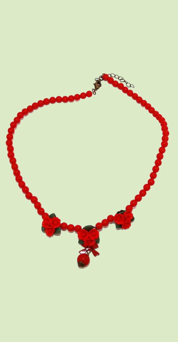 Vintage Jewelry - Collier With Red Roses