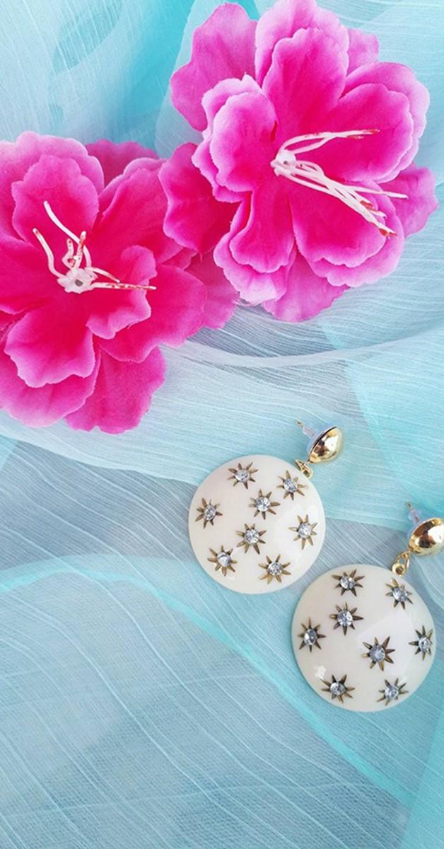 Vintage Jewelry - Greta Drop Earring - Cream