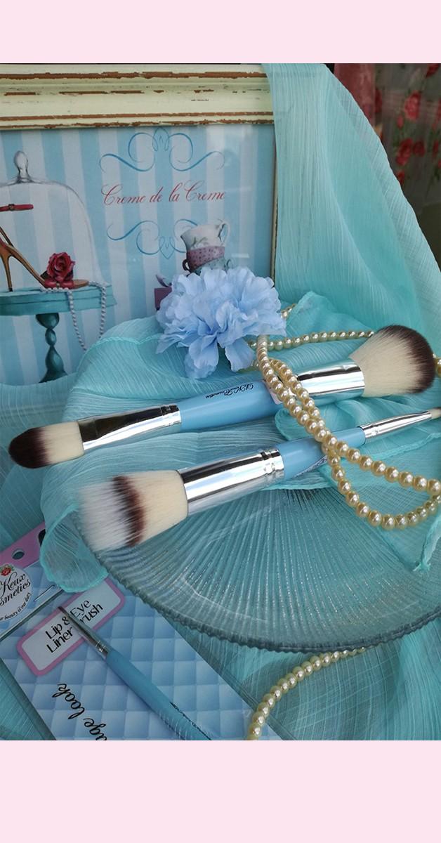 Vintage Make Up - Powder And Foundation Brush