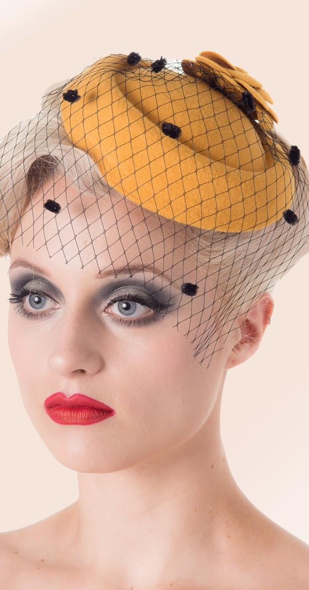 Vintage Hütchen - Marilyn Fascionater - Senffarben