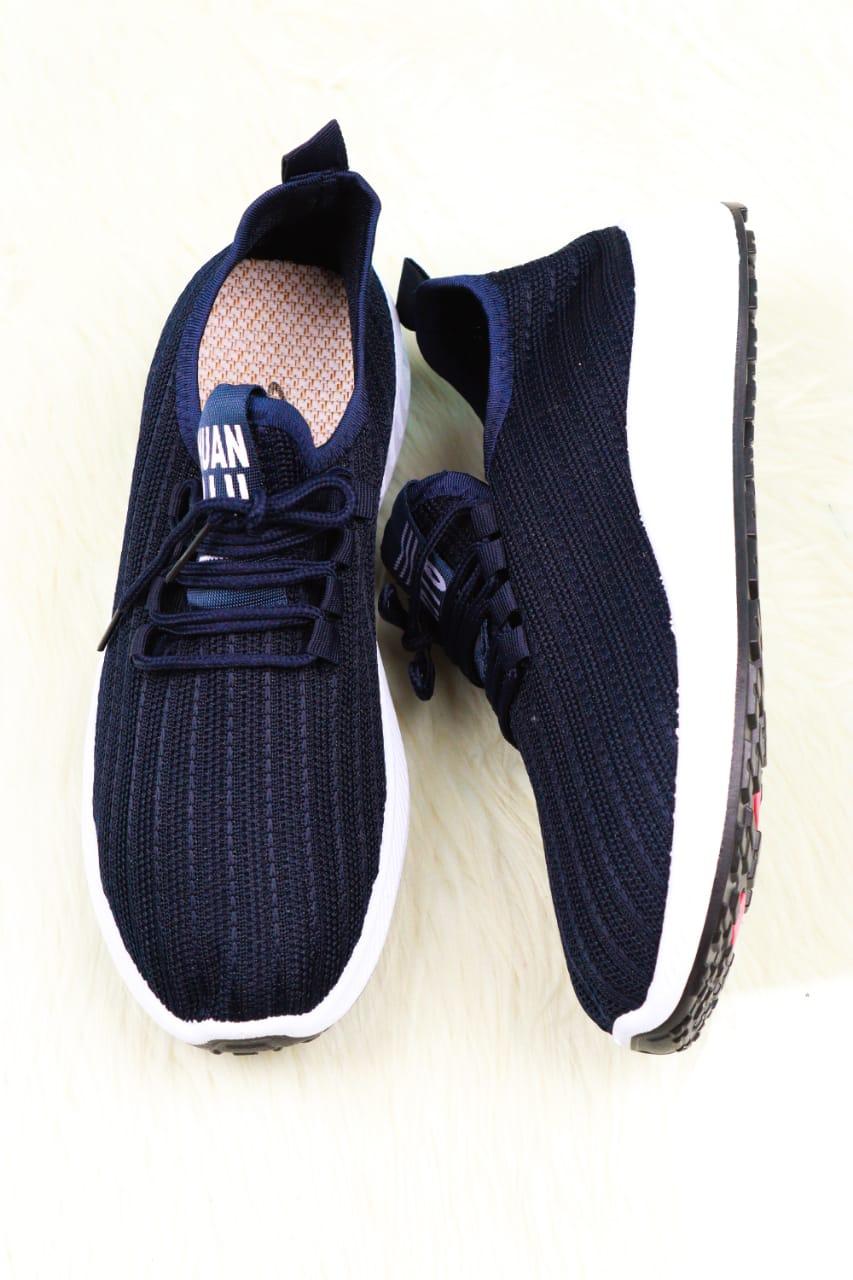 Huan Plain Sneaker