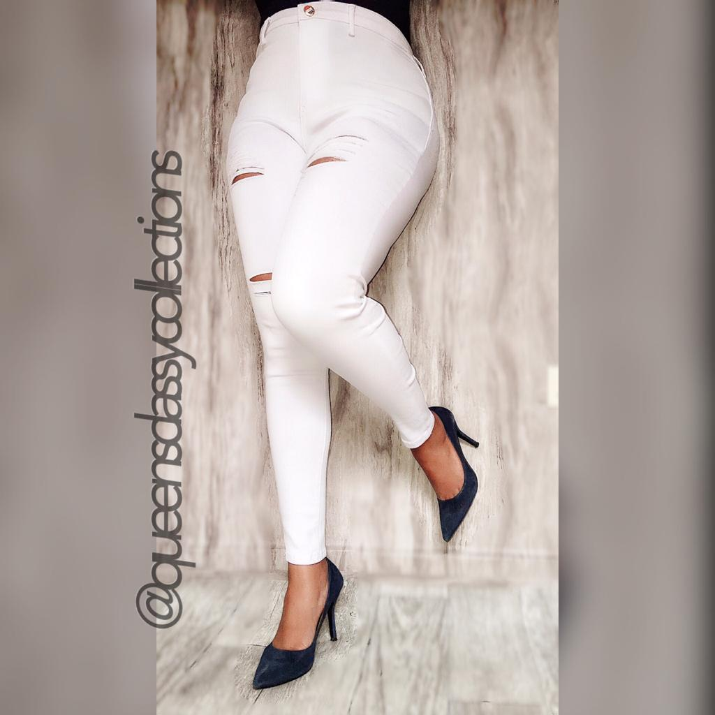 Rugged body shaping jeans