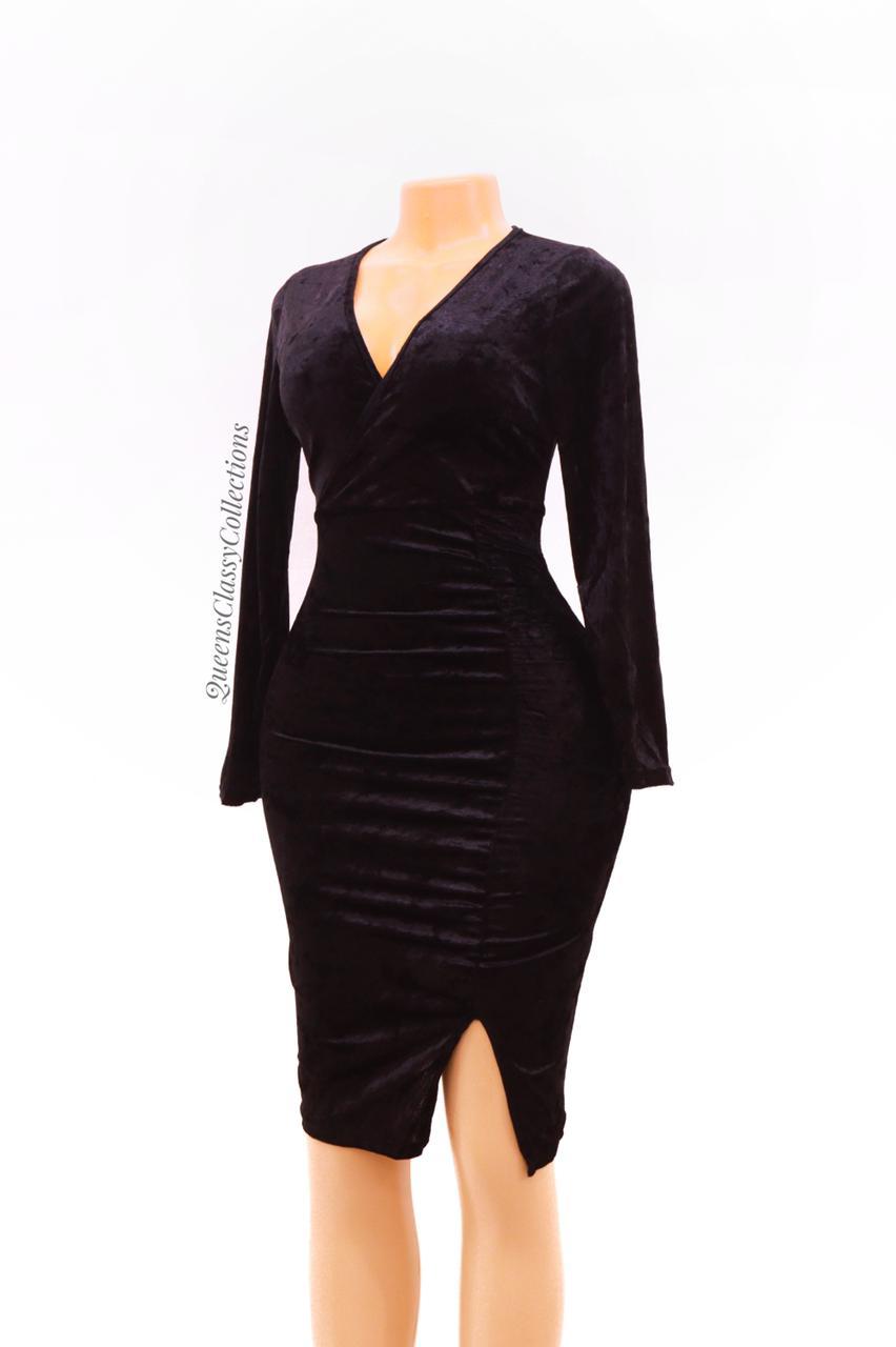 V-neck velvet ruch dress