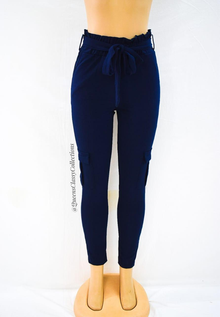 Side pockets peg pants