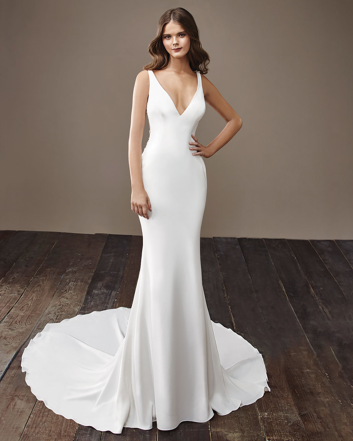 VOWS Bridal Outlet | Discounted Designer Gowns img13