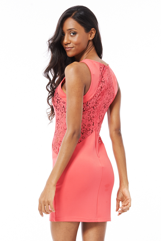 5 SPRING DRESSES THAT LOOK EVEN BETTER FROM THE BACK