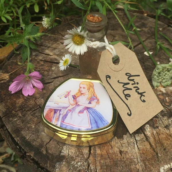 Alice In Wonderland Lip Balm Compacts