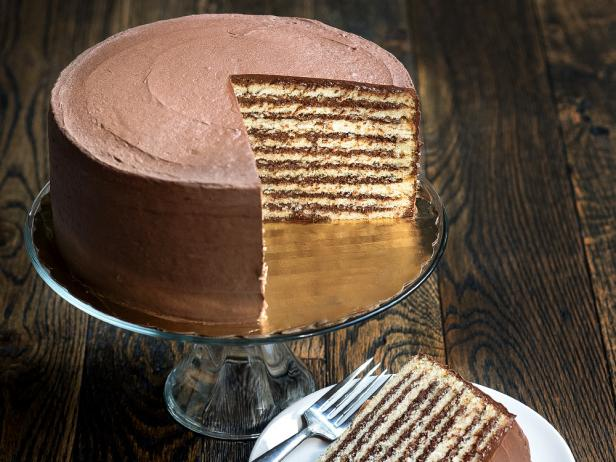 https://www.foodnetwork.com/restaurants/photos/best-cakes-in-the-country..