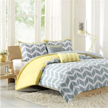 VERONA Full/Queen 5-Piece Chevron Stripes Comforter Set in..