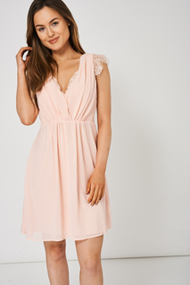 LIGHT PINK V-NECK DRESS WITH LACE DETAIL