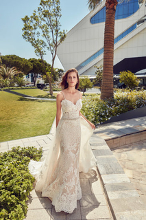 VOWS Bridal Outlet | Discounted Designer Gowns img8